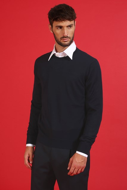 Ballantyne Pullover in lana merinos leggera color Nero Navy