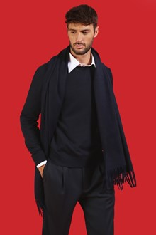 Ballantyne Light merino wool pullover in Navy black color