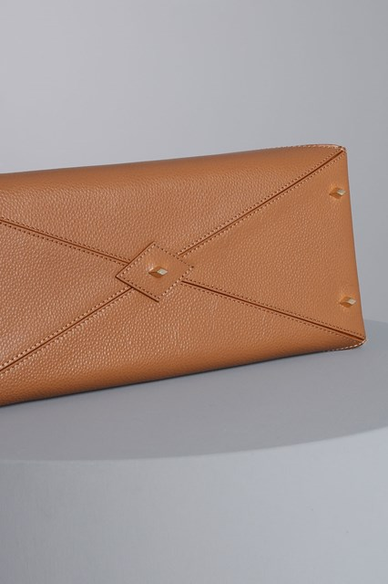 "Ballantyne ""Diamond"" camel-colored bag"